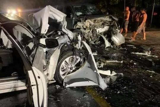 Hai xe ô tô đấu đầu ở Hà Giang, 2 người tử vong