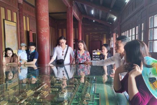 Thừa Thiên Huế đã phê duyệt hỗ trợ hơn 500 hướng dẫn viên du lịch