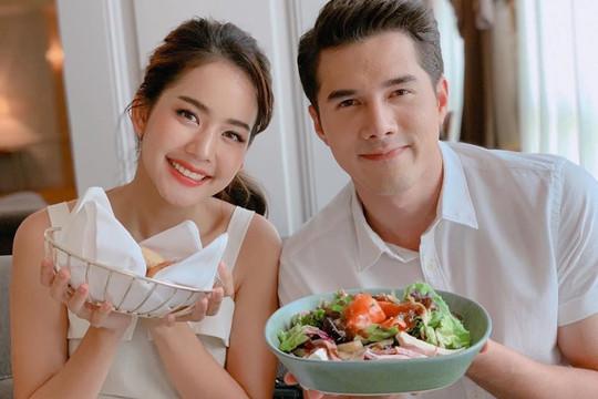Cuộc chia tay ồn ào của hai ngôi sao hàng đầu Thái Lan
