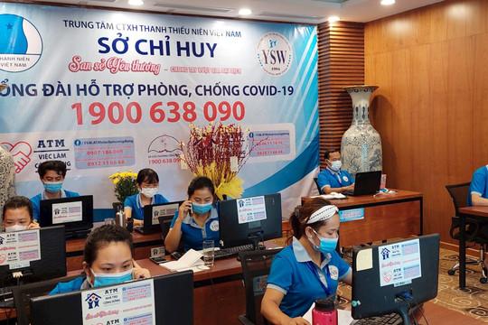 Hàng trăm cuộc gọi đến tổng đài phòng chống covid-19 để yêu cầu giúp mỗi ngày