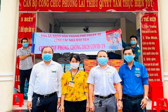 Cán bộ, nhân viên TAND hai cấp tỉnh Bình Dương hăng hái tham gia phòng chống dịch Covid-19