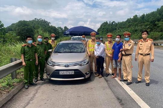 Khống chế nghi phạm vận chuyển trái phép ma túy trên cao tốc Hà Nội - Lào Cai