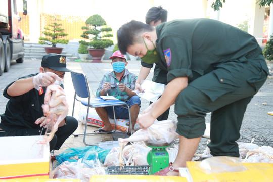 Công an thành phố Đà Nẵng mở 30 điểm bán hàng hỗ trợ giá, miễn phí rau xanh