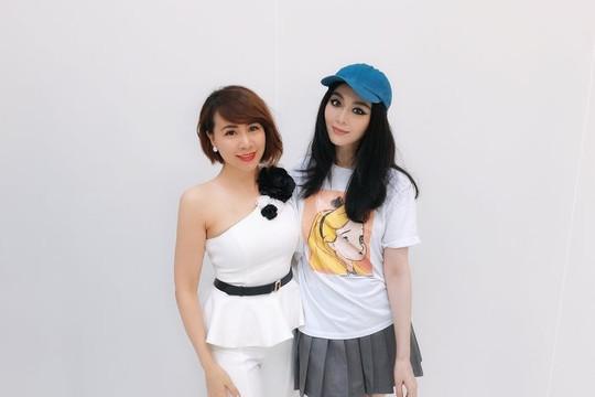 Váy thiết kế cho Phạm Băng Băng của Tuyết Lê bán đấu giá từ thiện được 500 triệu đồng