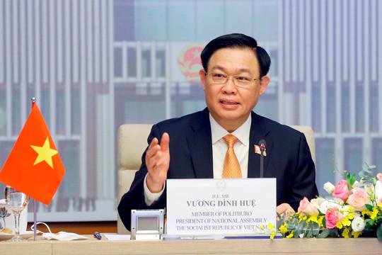 Chủ tịch Quốc hội Vương Đình Huệ hội đàm với Chủ tịch Quốc hội Thái Lan