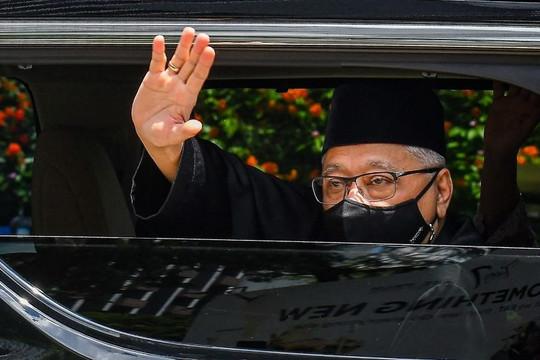 Thủ tướng Malaysia bỏ lỡ lễ tuyên thệ của nội các mới vì COVID-19