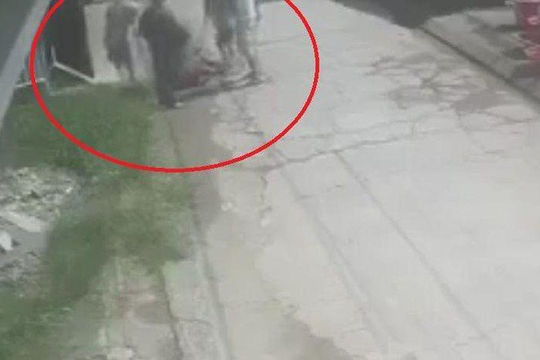 5 người bắt giữ đánh đập một người đàn ông đến tử vong