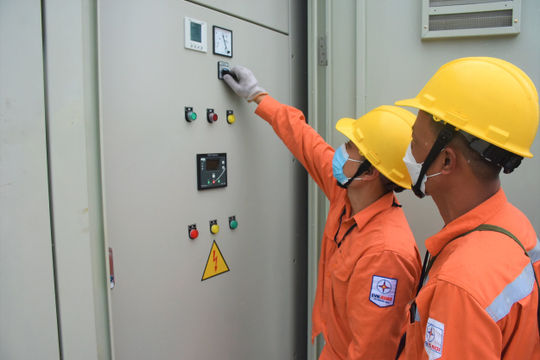 EVNHANOI đảm bảo điện thông suốt phục vụ Bệnh viện điều trị người bệnh Covid-19