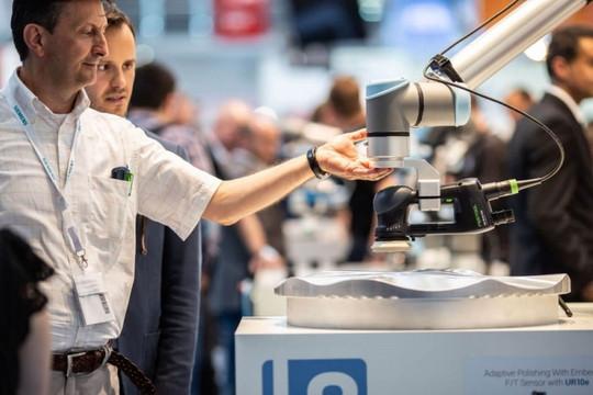 Ứng dụng công nghệ robot cộng tác trong cách mạng công nghiệp 4.0