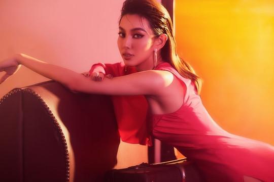 Miss Grand Vietnam 2021: Thuỳ Tiên tung bộ ảnh bỏng mắt