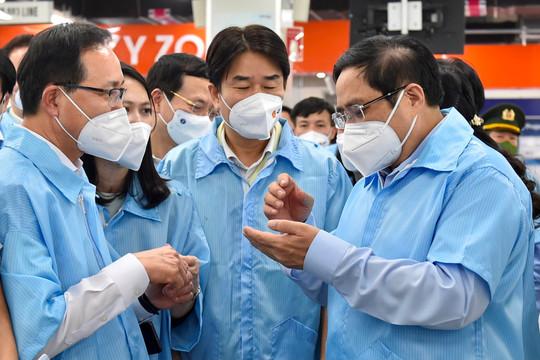Thủ tướng mong người Việt Nam sớm được tham gia đội ngũ lãnh đạo cao nhất của Tổ hợp Samsung