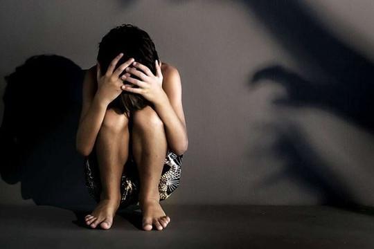 Bé gái phát hiện mang song thai sau hơn 5 tháng bị hiếp dâm