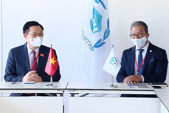 Chủ tịch Quốc hội Vương Đình Huệ nêu 3 đề xuất với Chủ tịch Liên minh Nghị viện thế giới