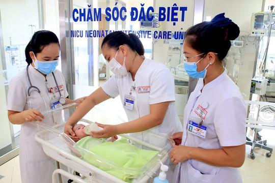 Cứu sống thành công sản phụ dương tính với SARS-CoV-2