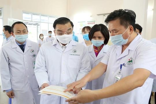 Bộ Quốc phòng, cùng 10 tỉnh, thành chuẩn bị hỗ trợ Hà Nội phòng, chống dịch