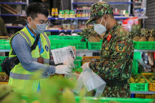 """Thủ tướng chỉ đạo Bộ Công an xử lý việc """"bom hàng"""" đi chợ hộ tại TP.HCM"""