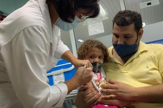 Cuba trở thành quốc gia đầu tiên trên thế giới tiêm chủng đại trà vaccine COVID-19 cho trẻ 2-11 tuổi