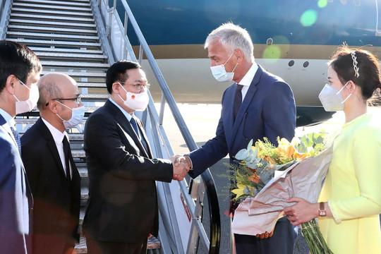 Đến Brussels, Chủ tịch Quốc hội bắt đầu chuyến thăm làm việc với Nghị viện châu Âu và Vương quốc Bỉ