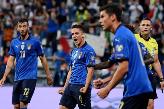"""Tuyển Italy tạo """"cơn mưa"""" bàn thắng bất bại 37 trận liên tiếp"""