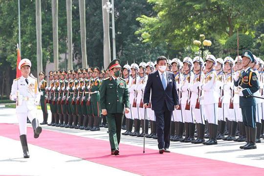 Đại tướng Phan Văn Giang đón, hội đàm với Bộ trưởng Bộ Quốc phòng Nhật Bản