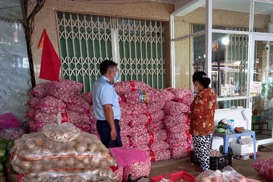 Phát hiện 4,2 tấn tỏi Trung Quốc vi phạm nhãn tại Tiền Giang