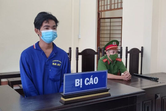 Lĩnh án 12 tháng tù vì hành hung gây thương tích cho cán bộ Công an ở chốt kiểm dịch