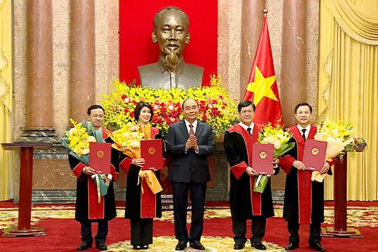Chủ tịch nước trao quyết định bổ nhiệm 4 Thẩm phán TANDTC