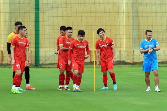 ĐT Việt Nam tụt 3 bậc trên bảng xếp hạng FIFA tháng 9