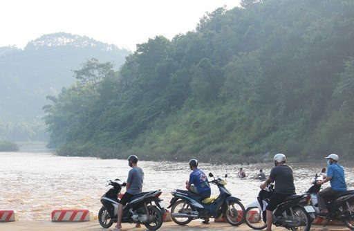 Tìm thấy thi thể nam thanh niên rơi xuống sông do tai nạn giao thông