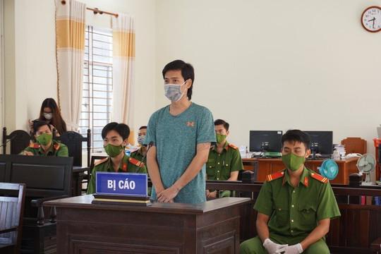Cần Thơ: Lĩnh án tù vì vào thăm người yêu trong khu phong toả