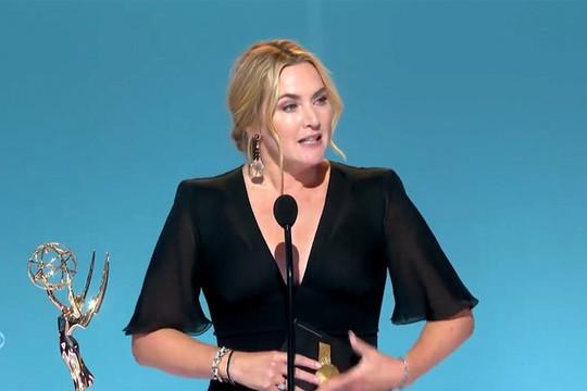 Emmy 2021 lọt top thịnh hành sau hơn 4 năm thảm hoạ lượt xem