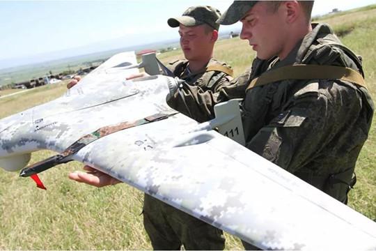 Nga trang bị tổ hợp chỉ dẫn mục tiêu cho máy bay không người lái chiến đấu