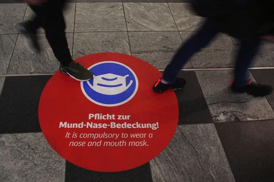 Đức cắt trợ cấp đối với người lao động không tiêm vaccine COVID-19