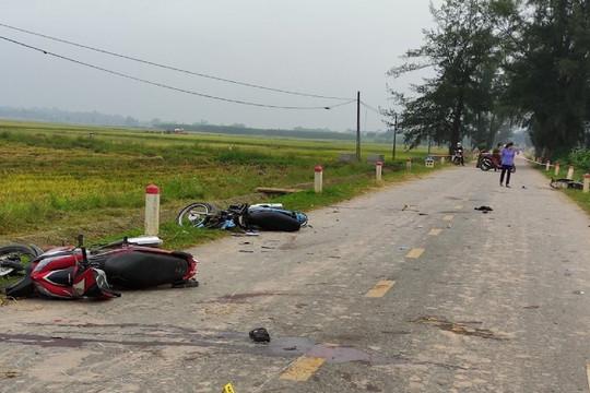 Phú Thọ: 4 xe máy lao vào nhau trong đêm trung thu, 5 người tử vong