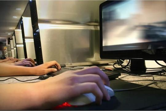 """Báo cáo xếp hạng Việt Nam không có tự do về Internet là """"vô giá trị"""""""