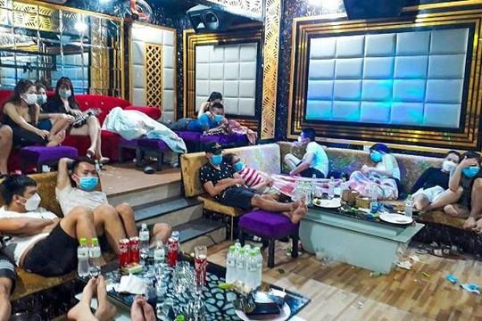 53 thanh niên sử dụng ma túy, bay lắc trong quán karaoke Luxury