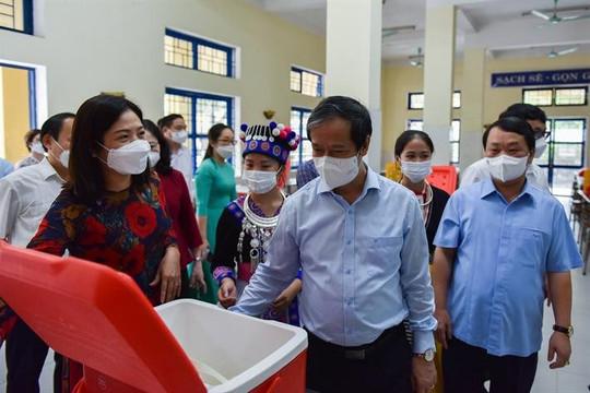 Đoàn công tác Bộ GDĐT và Ủy ban Dân tộc thăm Trường Phổ thông Vùng cao Việt Bắc