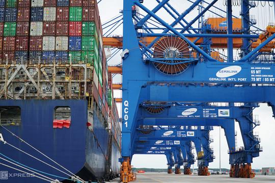 Doanh nghiệp làm thủ tục xuất khẩu trung bình mất 38,4 giờ
