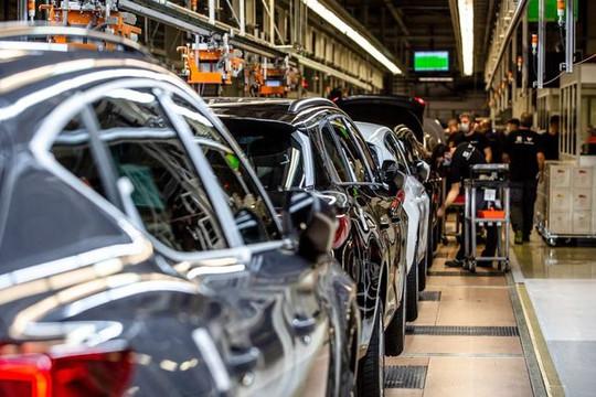 Ngành công nghiệp ô tô 'bốc hơi' 210 tỷ USD vì thiếu hụt chip