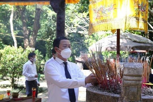 Dâng hương tưởng niệm 588 năm ngày mất Vua Lê Thái Tổ