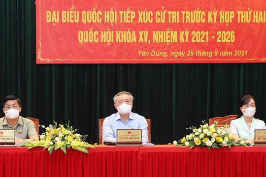 Uỷ Viên Bộ Chính trị, Chánh án TANDTC cùng Đoàn ĐBQH tiếp xúc cử tri tại Bắc Giang
