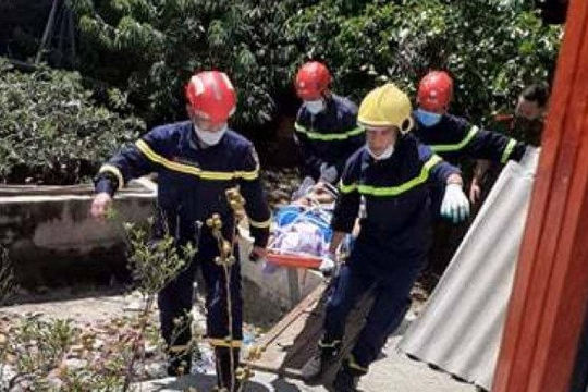 Bị điện giật tử vong khi đang thi công mái tôn