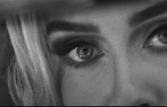 """Adele chính thức tung teaser cho MV sau 6 năm, dự kiến """"càn quét"""" mọi BXH"""