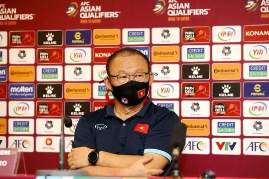 HLV Park Hang Seo: 'Chịu nhiều áp lực nhưng đội tuyển Việt Nam sẽ tìm cách khắc chế Trung Quốc'