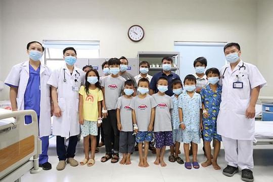 8 trẻ ngộ độc do ăn quả hồng châu được ra viện