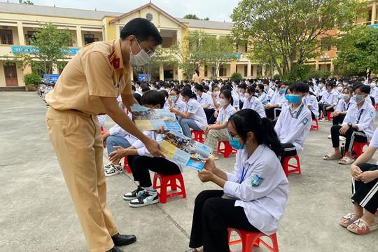 Thái Nguyên: Tuyên truyền về an toàn giao thông tại trường THPT Điềm Thụy
