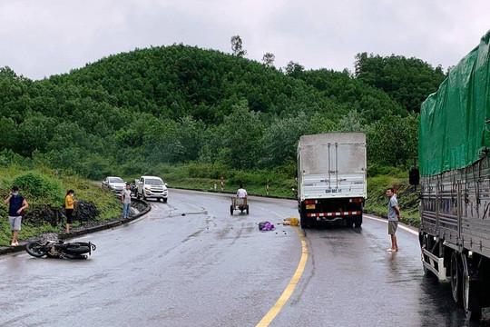 Va chạm với xe tải trên đường Hồ Chí Minh, người đàn ông tử vong tại chỗ