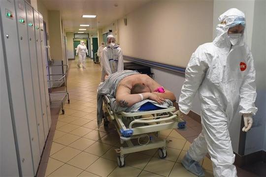 Tin vắn thế giới ngày 12/10: Chuyên gia nhận định về làn sóng dịch COVID-19 thứ tư tại Nga