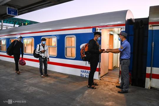 Hành khách đi tàu hỏa cần đảm bảo những điều kiện gì?