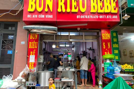 Hà Nội: Hàng quán tất bật phục vụ khách hàng ăn, uống trong ngày đầu mở cửa